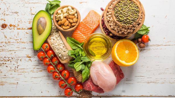 Alimenti che fanno bene al cuore: cosa mangiare?