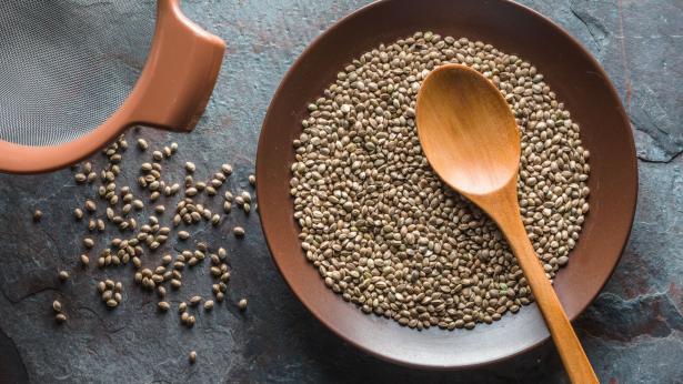 Canapa alimentare: benessere in tavola, non solo per i celiaci
