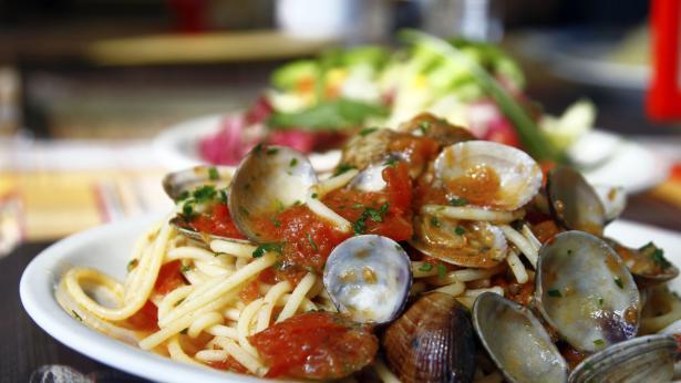 Cozze, vongole, cannolicchi: le proprietà dei frutti di mare