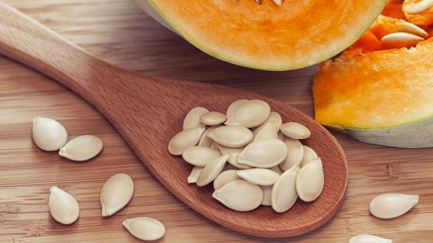L'olio di semi di zucca fa bene alla prostata