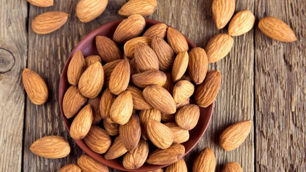 Mandorle, proprietà e calorie
