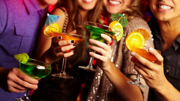Alcol: consigli per bere senza rischi