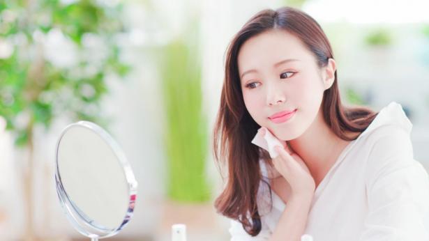 Glass skin, come avere una pelle luminosa e splendente