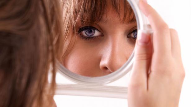Guardarsi allo specchio e non piacersi