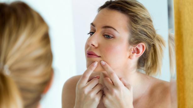 I cibi per combattere l'acne