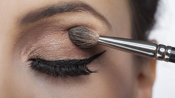 I consigli per conservare i cosmetici in estate