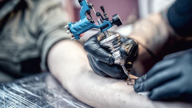 Inchiostri per tatuaggi: rischi sulla salute