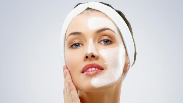 Peeling del viso: prodotti fai da te e professionali