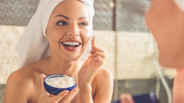 Pelle secca: i rimedi naturali per la pelle che tira