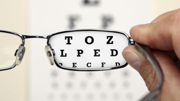 Visita oculistica e occhiali: proteggere la vista e la salute degli occhi