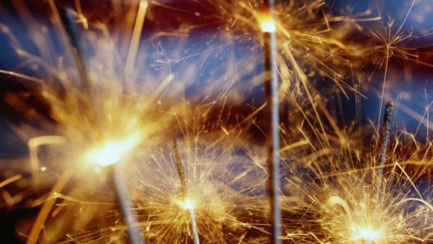 Botti di Capodanno: i pericoli per la salute e le precauzioni da prendere