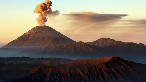 Eruzioni vulcaniche: i rischi per la salute e il clima