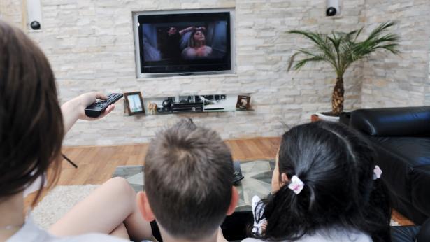 Guardare la TV: regole di sicurezza