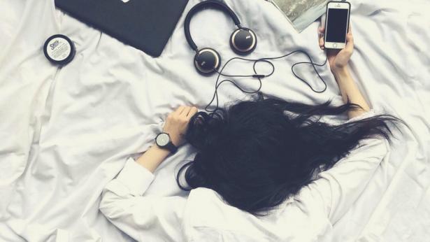Sleep texting: inviare messaggi mentre si dorme