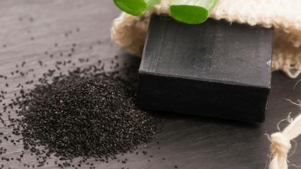 Carbone vegetale, l'alleato per il benessere intestinale