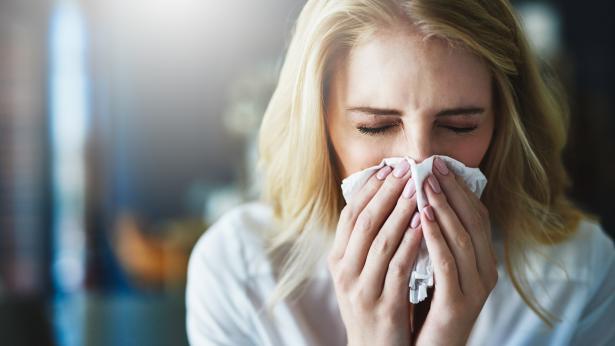 Come distinguere i sintomi del Covid dall'influenza
