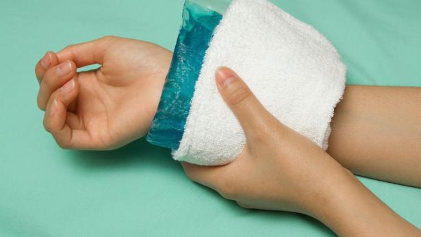 Dolori traumatici: meglio la borsa calda o il ghiaccio?