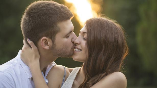 Sesso occasionale in vacanza: come evitare rischi e infezioni