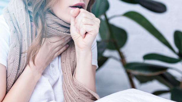 Tosse secca: sintomi, cause e rimedi