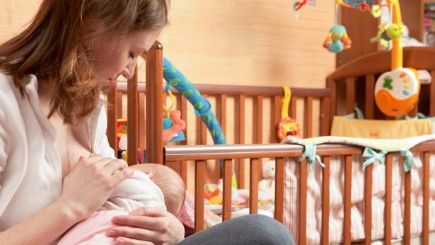 Allattare al seno fa bene ai bambini e alle mamme