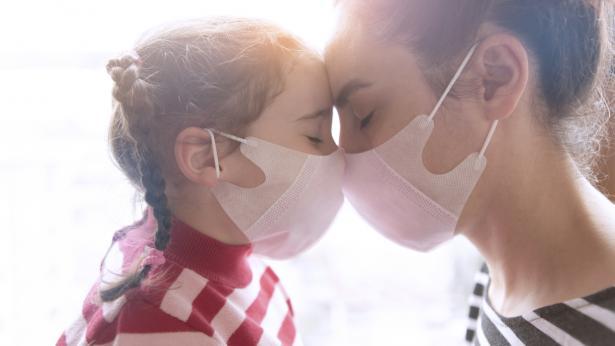 Come riconoscere i sintomi del covid nei bambini