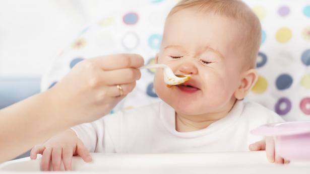 Cosa fare se il bambino non vuole mangiare