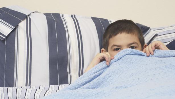 Pannolino contro la pipì a letto: è utile?