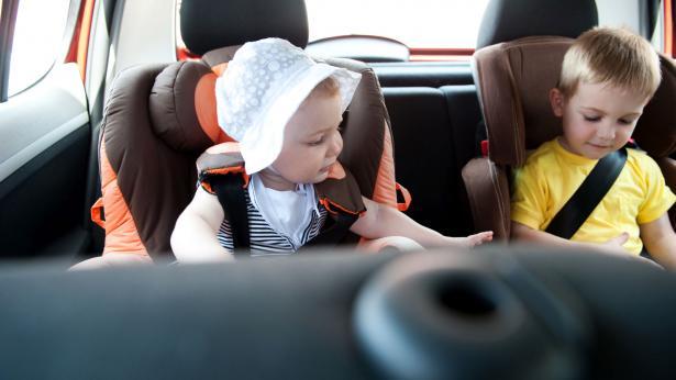Norme sul trasporto dei bambini in automobile