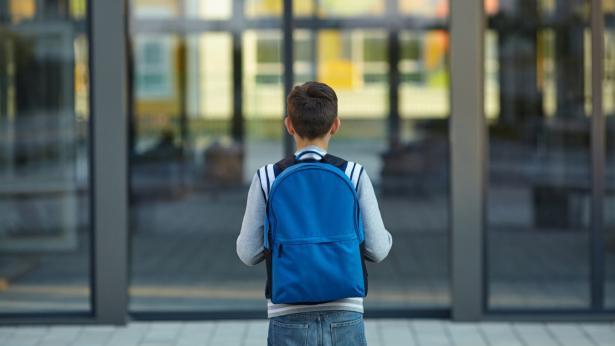 Scuola e bambini: attenzione al carico degli zaini