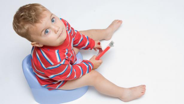 Spannolinamento, il passaggio dal pannolino al vasino