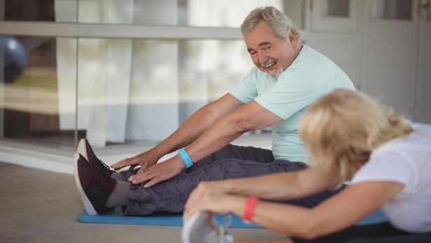 Ginnastica per anziani, gli esercizi da fare in casa