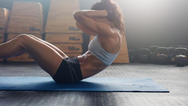 Pancia piatta: gli esercizi per snellire l'addome