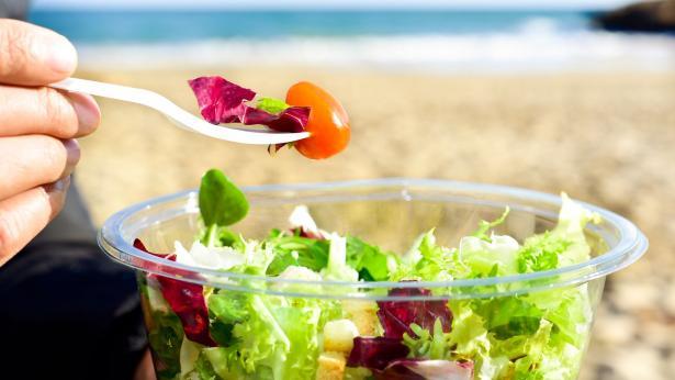 Alimentazione al mare: cosa mangiare in spiaggia
