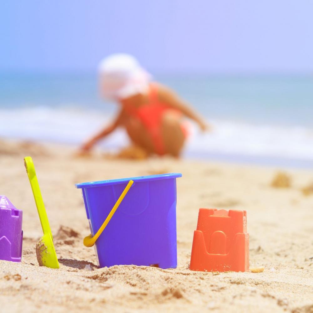 Foto Divertenti Bambini Al Mare giochi e sport da fare con i bambini in spiaggia o al parco