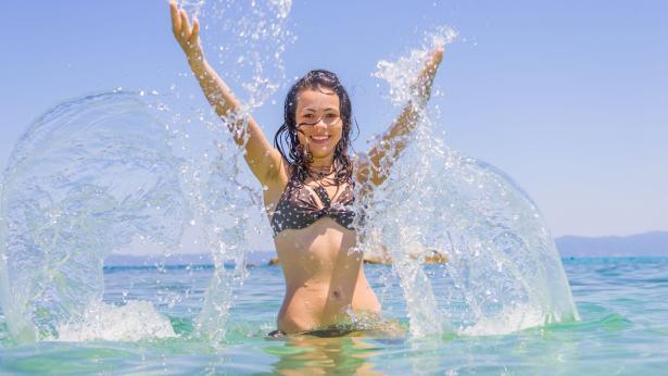 Talassoterapia: i benefici di mare, alghe, fanghi e sabbia