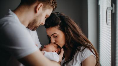 Quando nasce un figlio, nasce anche una mamma e un papà