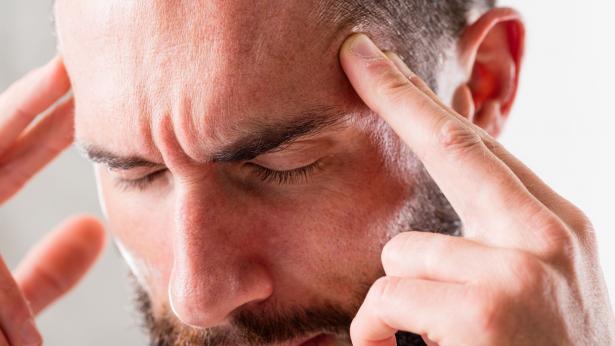 Cefalea a grappolo: sintomi e terapie