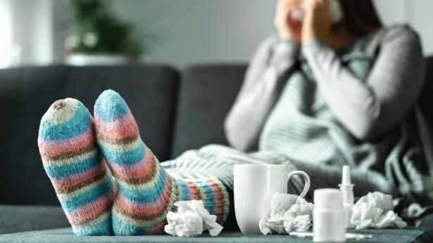 Rinorrea: cause e rimedi per il naso che cola