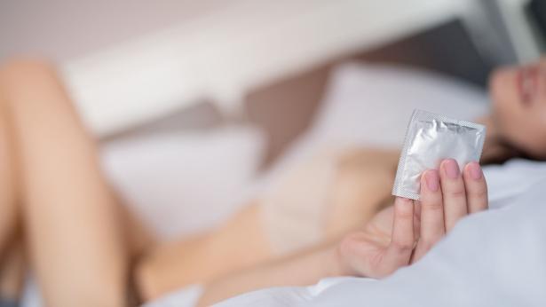 Acquistare preservativi crea imbarazzo a 6 donne su 10