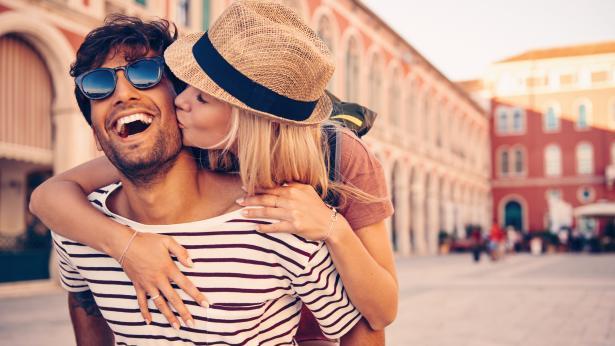 Al via la giornata dedicata al gesto più romantico del mondo: il bacio