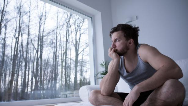 Carenza cronica di sonno: il cervello rischia di autodistruggersi