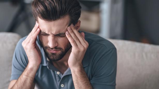 Esiste un collegamento tra carenza di vitamina D e mal di testa cronico?