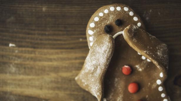 Contro la tristezza delle feste, attenti a dolci e alcol