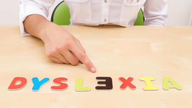 La stimolazione cerebrale migliora la lettura dei bambini con dislessia