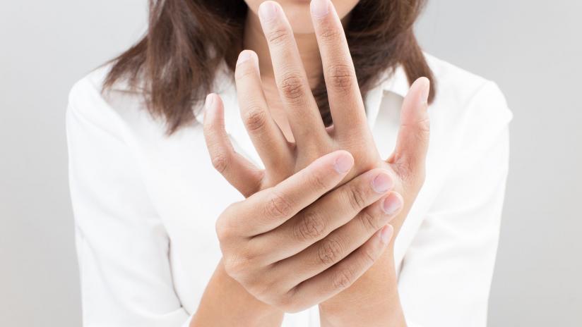 Artrite, liste d'attesa di 8 mesi per i malati reumatici