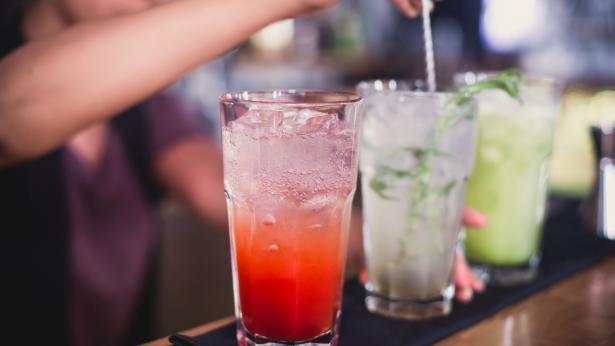 Giovani e alcol: l'83% ne fa un uso sconsiderato