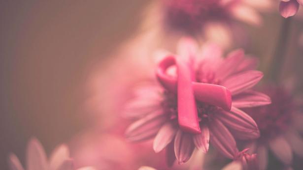 Mese prevenzione del tumore al seno, al via la campagna Nastro Rosa