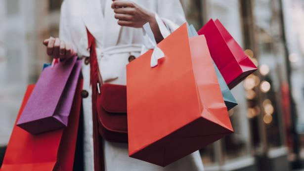 Shopping compulsivo: consigli utili per tenerlo a bada