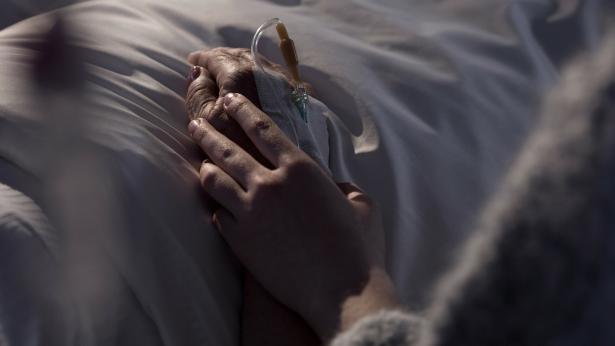 Svizzera, in 4 casi su 5 i medici aiutano i malati terminali a morire