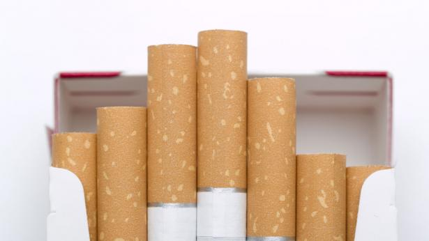 Tabacco e sigarette, approvato il decreto: è giro di vite